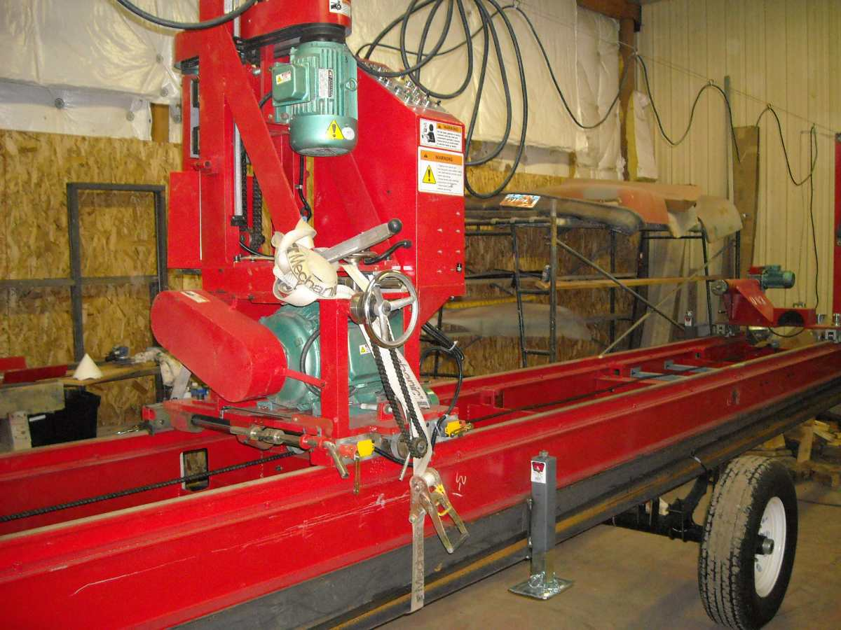 Mobile Log Lathe (pic 1)