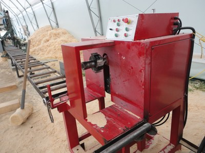 Woodlandia log slot milling machine